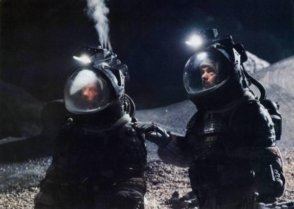 009-alien-theredlist.jpg